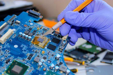 laptop reparatie in uitvoering